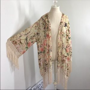 Sans Souci Cherry blossom Bird fringed kimono 1X